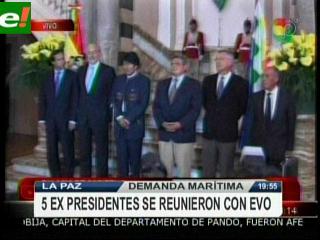 Evo se reunió con cinco expresidentes por demanda marítima