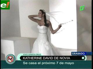 Katherine David se prueba el vestido de novia