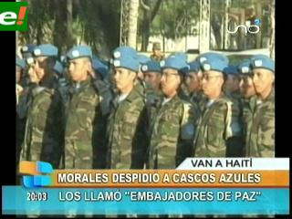 Morales despide a nuevo contingente de cascos azules de Bolivia Haití