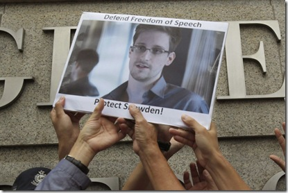 Edward-Snowden-800x532