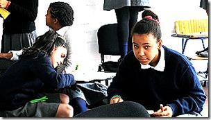 Invertir en inclusión social y educación es urgente, según la conferencia en Montevideo.