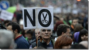 En España tres millones de personas sobreviven con menos de 307 euros mensuales.