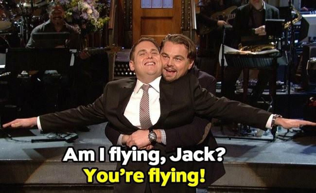 Jonah Hill y Leonardo DiCaprio parodian Titanic en el plató del Saturday Night Live