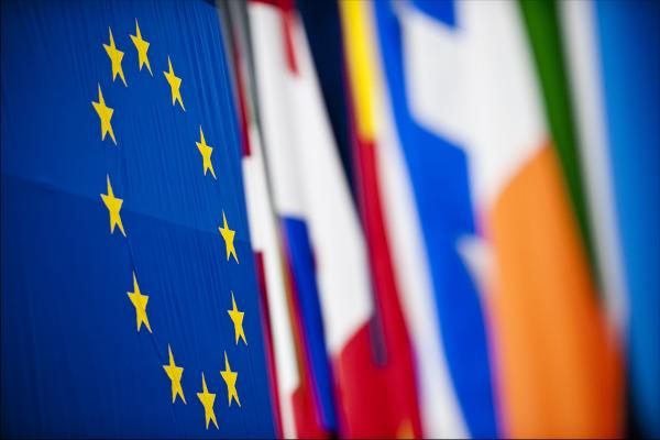 Bruselas investiga si los estudios estadounidenses y las cadenas de TV europeas violan la ley con sus bloqueos regionales
