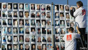 Empleados de Nokia en Alemania protestan en 2008