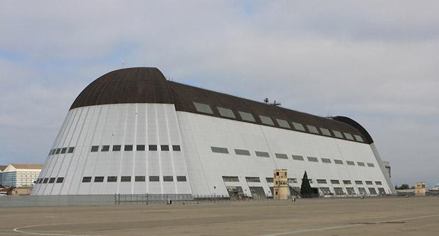Google podría utilizar un hangar gigante de la NASA para albergar los jets de sus ejecutivos