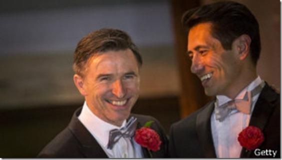Peter McGraith y David Cabreza fueron de los primeros en casarse en Londres.