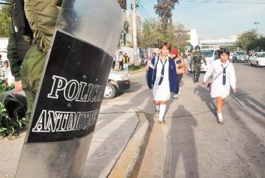 Choferes-de-Cochabamba-bloquean-ruta-hacia-el-occidente-