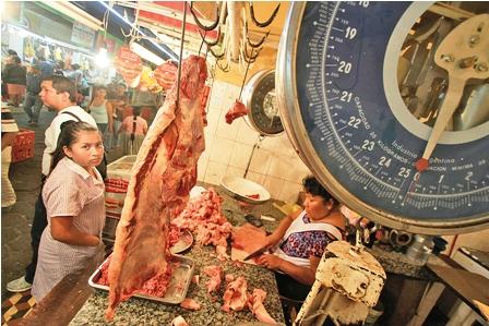Carniceros-crucenos-denuncian-que-acuerdo-con-un-sector-busca--salvar--a-Achacollo-