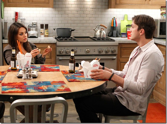 Ashton-Kutcher-Mila-Kunis-Two-And-A-Half-Men-Scene