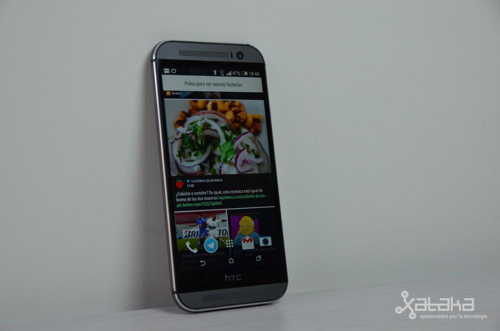 HTC One M8 de pie