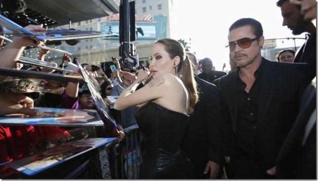 Angelina Jolie y Brad Pitt, en la alfombra roja antes de la agresión.