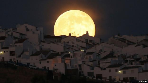 Superluna en Cádiz, España