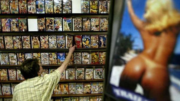 Por aparición de casos de SIDA, suspenden rodajes de películas porno en EEUU. (AFP)