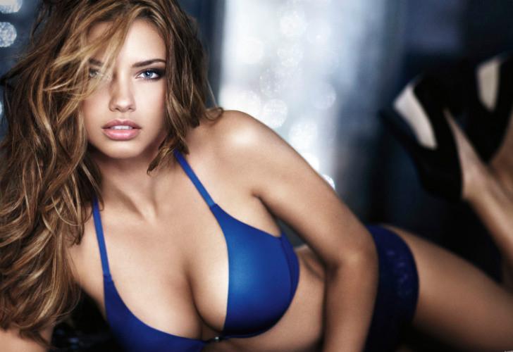 Adriana Lima. Modelo de Victoria's Secret desde 2000, a los 33 años la modelo factura US$ 8 millones cada 12 meses.