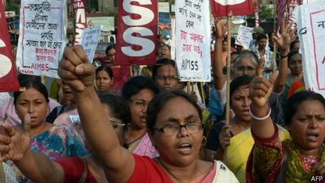 Protesta en India contra la violencia contra las mujeres