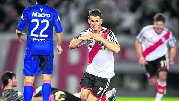 """Felicidad. """"Es lindo hacer goles y ver que el estadio explota"""". / GUSTAVO GARELLO"""