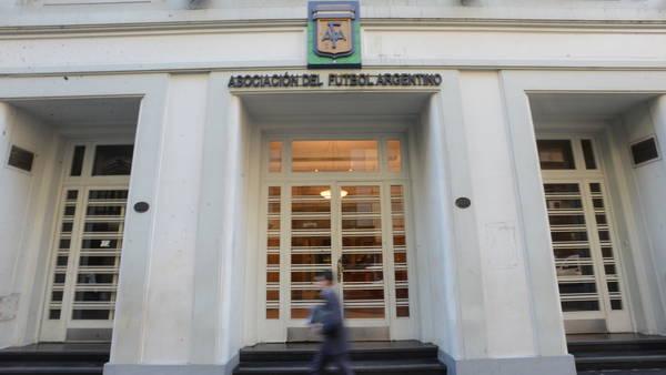 Viamonte-Argentina-Sudamericana-Luciano-Thieberger_CLAIMA20140910_0277_27
