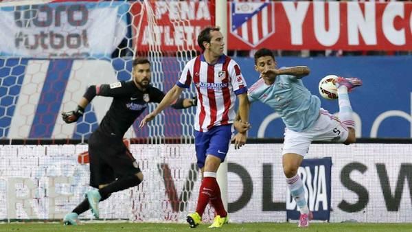 De taco. El gol del ex Argentinos Pablo Hernández, en el primer gol del Celta. (EFE)