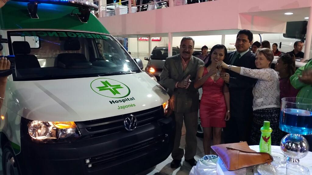 Jorge Luis Flores (Director Médico San Juan de Dios), Miriam Gutierrez ( H. Japones), Marcelo Ríos ( H. San Juan de Dios), Brigitte Petit ( Vicepresidenta división Vehiculos)