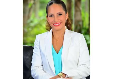 Claudia Cronembold. Ingeniera industrial de la unniversidad Gabriel René Moreno