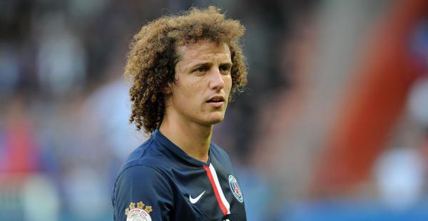 David Luiz pasó por grandes clubes de Europa como: Benfica, Chelsea y París Saint Germain. Además participa continuamente de la selección brasileña.