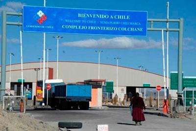 Trabajadores de la aduana chilena en paro indefinido