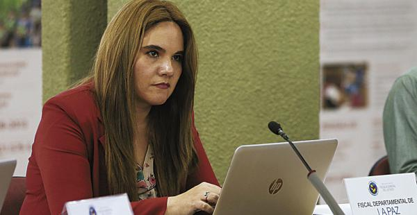 Patricia Santos, titular de la Fiscalía de La Paz y su esposo están acusados de no pagar por el arrendamiento de un departamento