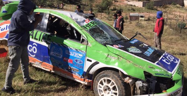 En esta condición quedó el auto del piloto cruceño que no podrá largar en el circuito Óscar Crespo de Sucre