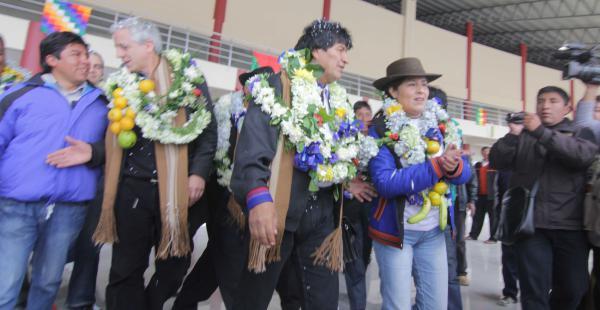 Morales participó en el acto de inauguración de una terminal interprovincial de buses en El Alto