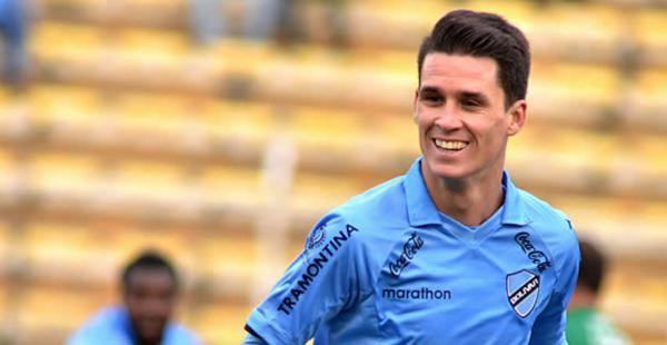 El delantero de Bolívar fue el goleador de la temporada 2014-2015 en el fútbol de Bolivia