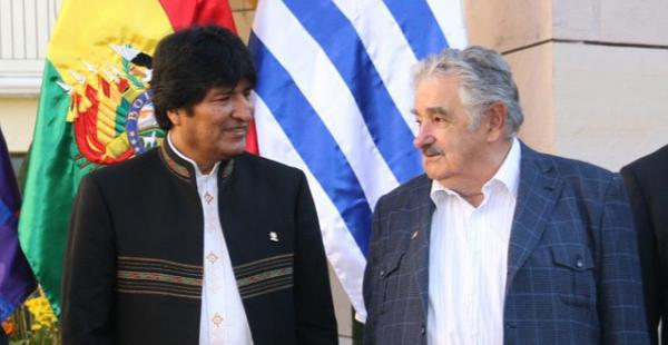 Evo Morales vio con buenos ojos la propuesta realizada por académicos de tres países para que Mujica sea el mediador del conflicto marítimo