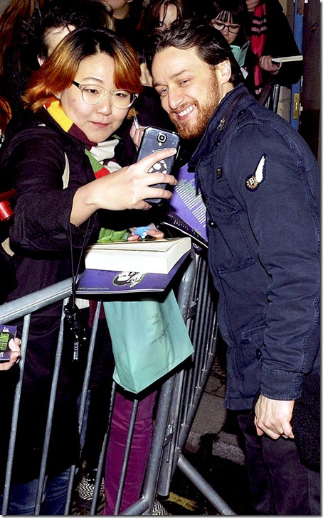 James-McAvoy-Photos-With-Fans
