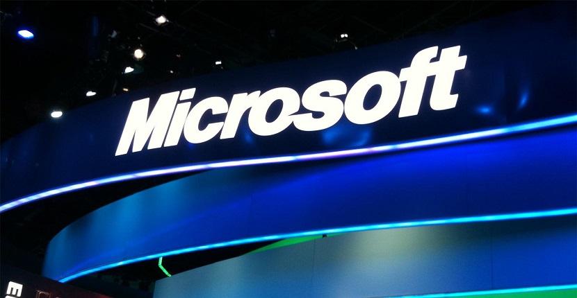 Microsoft Microsoft prepara dos smartphones de gama alta