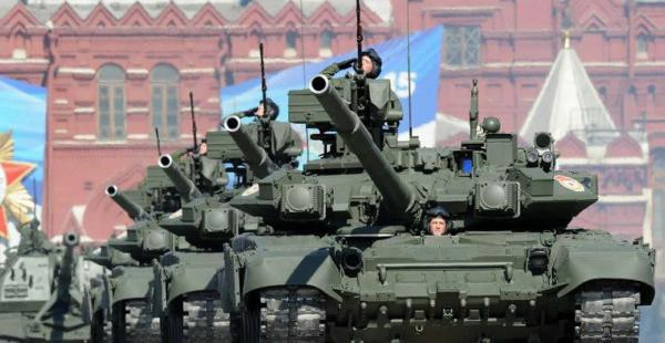 Imagen referencial de tanques T-90. Siete de estas unidades habrían sido enviadas a Siria