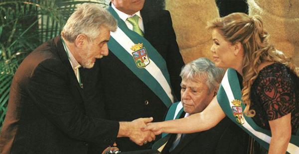 El monseñor Sergio Gualberti también estuvo entre los distinguidos