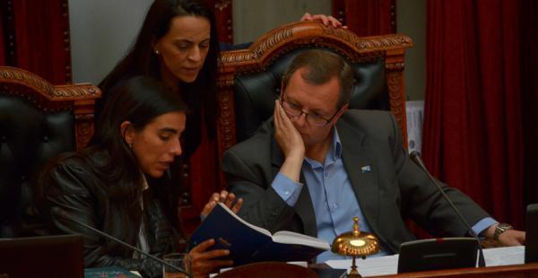La Asamblea Legislativa sesiona de forma continua desde las 16:20 del viernes para tratar la ley de reforma parcial de la Constitución