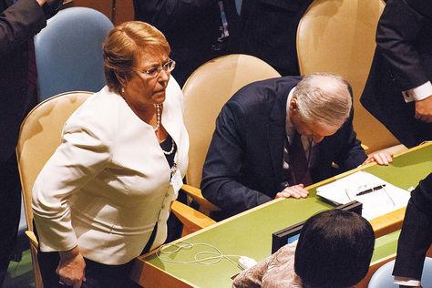 Bachelet junto a su canciller Heraldo Muñoz, en la sede de la ONU.
