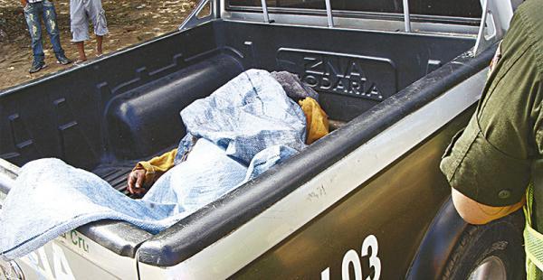 Los despojos del hombre en situación de calle fueron trasladados a la morgue judicial del hospital Pampa de la Isla, para la autopsia
