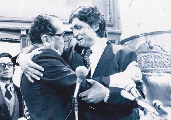 El expresidente Hernán Siles Suazo y su exvicepresidente, Jaime Paz Zamora, en 1982. - Los Tiempos Foto | Los Tiempos