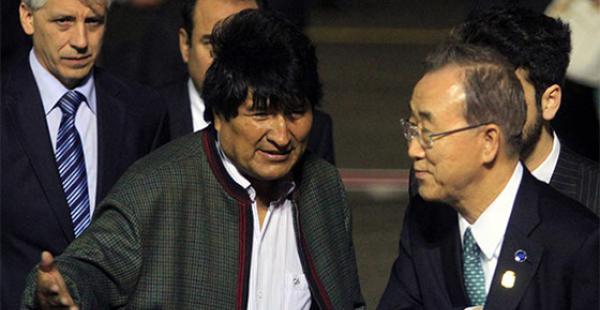 El Secretario general de la ONU llegó cerca de las 19:30 a Cochabamba, ciudad sede de la cumbre climática