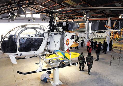Exhibición. Muestra de un helicóptero que estará en la FIFAB 2015 y que fue presentado ayer.