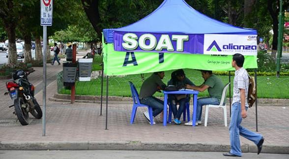 Un puesto de venta de SOAT en Cochabamba. - José Rocha Los Tiempos
