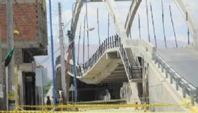 Castellanos defiende a empresa que construyó puente que está por desplomarse