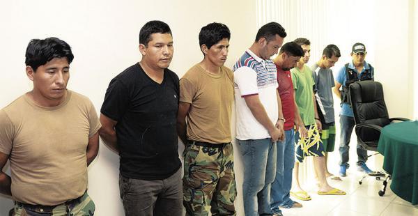 Los involucrados en el presunto volteo de droga fueron presentados el fin de semana por Carlos Romero. Están presos y fueron dados de baja
