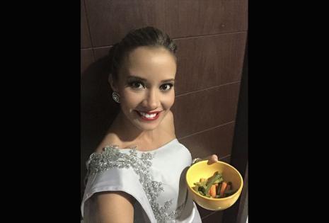 La presentadora de TV, magnífica y empresaria, Roxana Del Río, no tiene miedo al decir que le gustan las selfies, su cuenta de Facebook