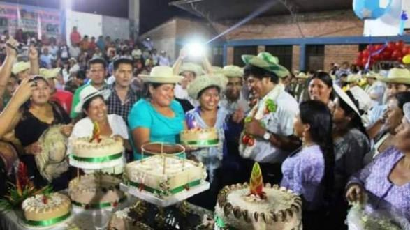 El presidente Evo Morales con miembros de organizaciones sociales, en Lauca Ñ, ayer.  | Foto: boliviatrespuntocero -     Los Tiempos