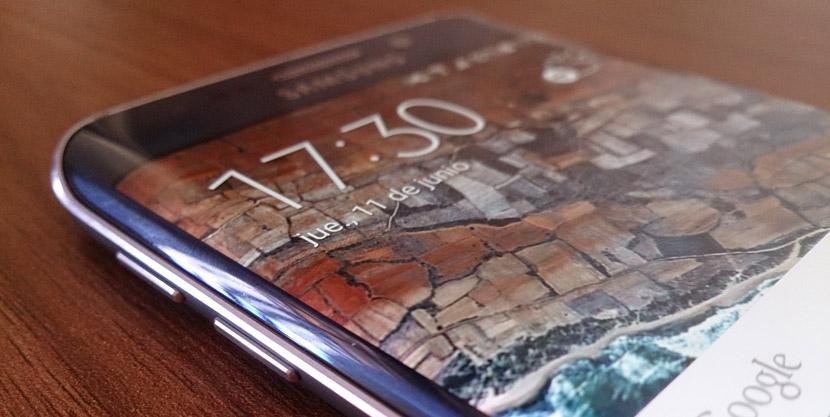 galaxy s6 edge touchwiz Google descubre 11 fallos de seguridad en el Galaxy S6 Edge de Samsung
