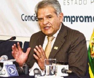 Villena pide a ciudadanía respaldar independencia de Defensoría del Pueblo