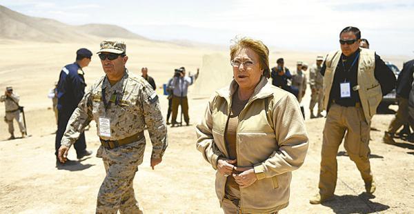 ejercicio que incomoda en bolivia  y perú hubo reclamos por las maniobras en la frontera La presidenta de Chile, Michelle Bachelet, acudió ayer a Campo Perdiz para asistir al ejercicio militar